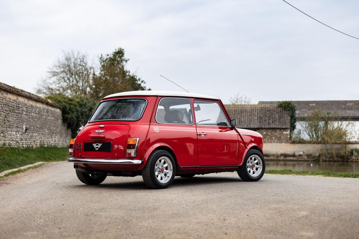 mini-2000-solar-red-my-mini-revolution